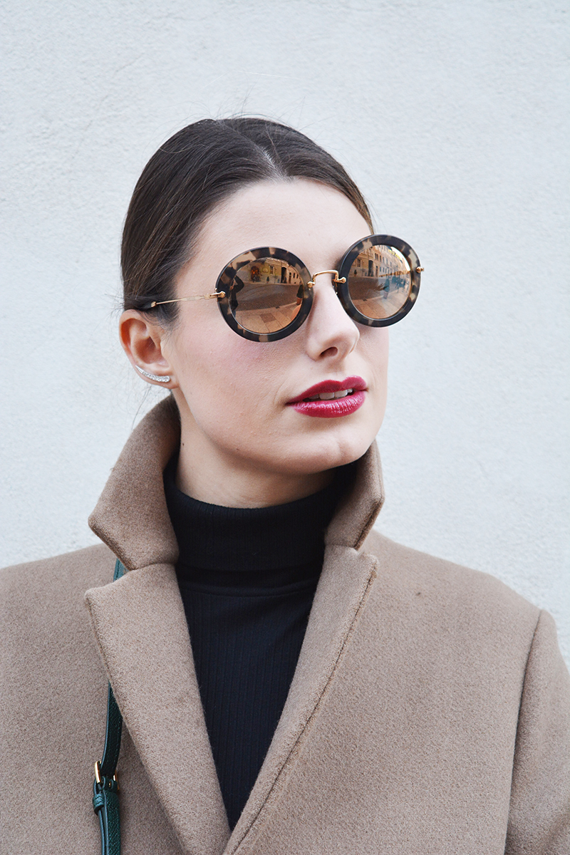 6 miu miu mirror lenses gold sunglasses fall winter 2015 2016 behindmyglasses.com giulia de martin jill sander coat dolce & gabbana bag zara shoes