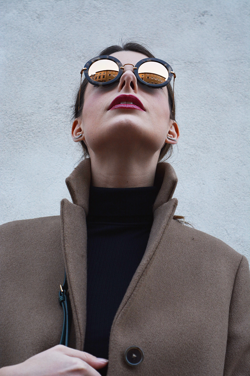 8 miu miu mirror lenses gold sunglasses fall winter 2015 2016 behindmyglasses.com giulia de martin jill sander coat dolce & gabbana bag zara shoes