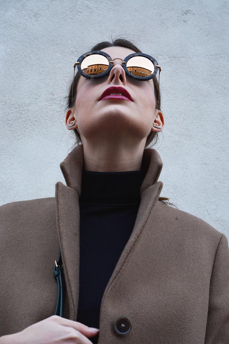 8 miu miu mirror lenses gold sunglasses fall winter 2015 2016 behindmyglasses.com giulia de martin jill sander coat dolce & gabbana bag zara shoes