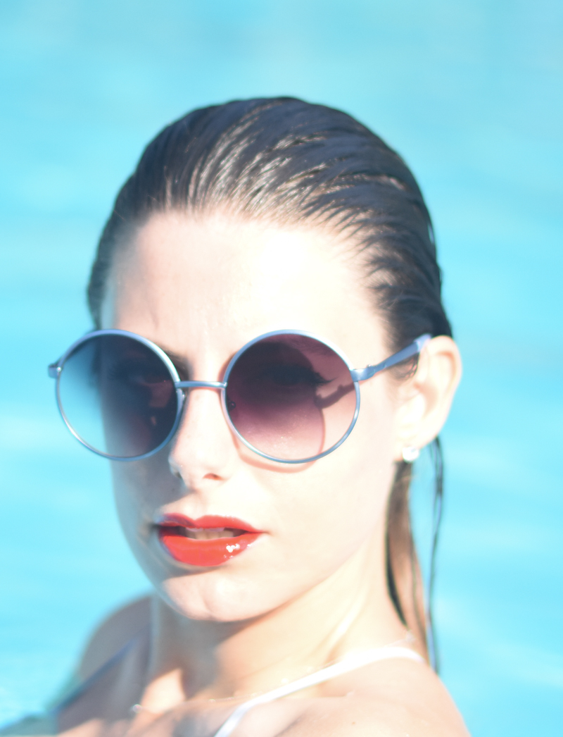 giulia de martin cacharel sunglasses limited edition round blue red lips YSL mondottica eyewear round frame paris behindmyglasses.com blog blogger sunglasses sunnies eyewear h&m -7