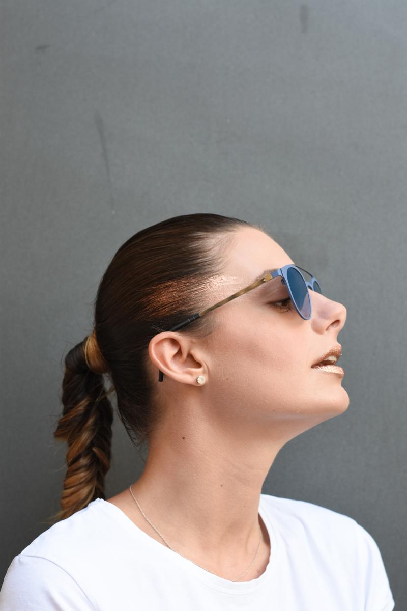 giulia-de-martin-blackfin-black-fin-eyewear-sunglasses-bronze-summer-lips-behindmyglasses-blog-white-tshirt-1