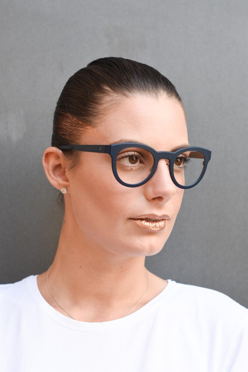 giulia-de-martin-blackfin-black-fin-eyewear-sunglasses-bronze-summer-lips-behindmyglasses-blog-white-tshirt-4