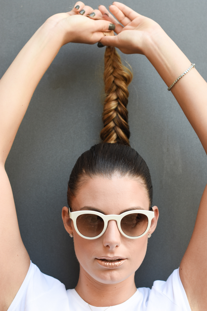 giulia-de-martin-blackfin-black-fin-eyewear-sunglasses-bronze-summer-lips-behindmyglasses-blog-white-tshirt-5