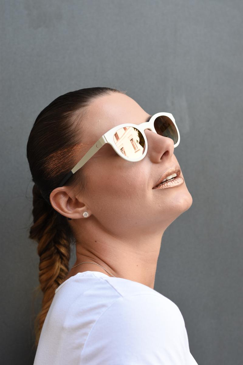 giulia-de-martin-blackfin-black-fin-eyewear-sunglasses-bronze-summer-lips-behindmyglasses-blog-white-tshirt-6
