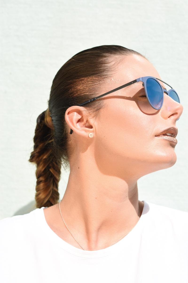giulia-de-martin-blackfin-black-fin-eyewear-sunglasses-bronze-summer-lips-behindmyglasses-blog-white-tshirt-8