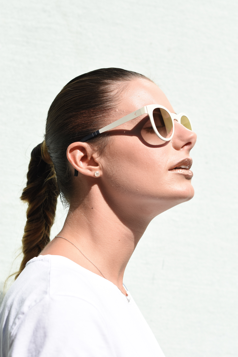 giulia-de-martin-blackfin-black-fin-eyewear-sunglasses-bronze-summer-lips-behindmyglasses-blog-white-tshirt-9