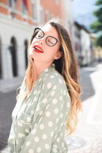 Giulia-de-martin-naoned-eyeglasses-black-cat-eye-blog-eyewear-behind-my-glasses-influncer-blog