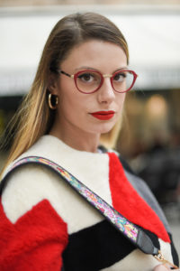 Giulia de martin behind my glasses eyewear blog influencer face a face eyeglasses optical lunettes red rouge Jackie 2 9298m -11
