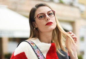 Giulia-de-martin-behind-my-glasses-eyewear-blog-influencer-face-a-face-eyeglasses-optical-lunettes-red-rouge-Jackie-2-9298m-slider-1