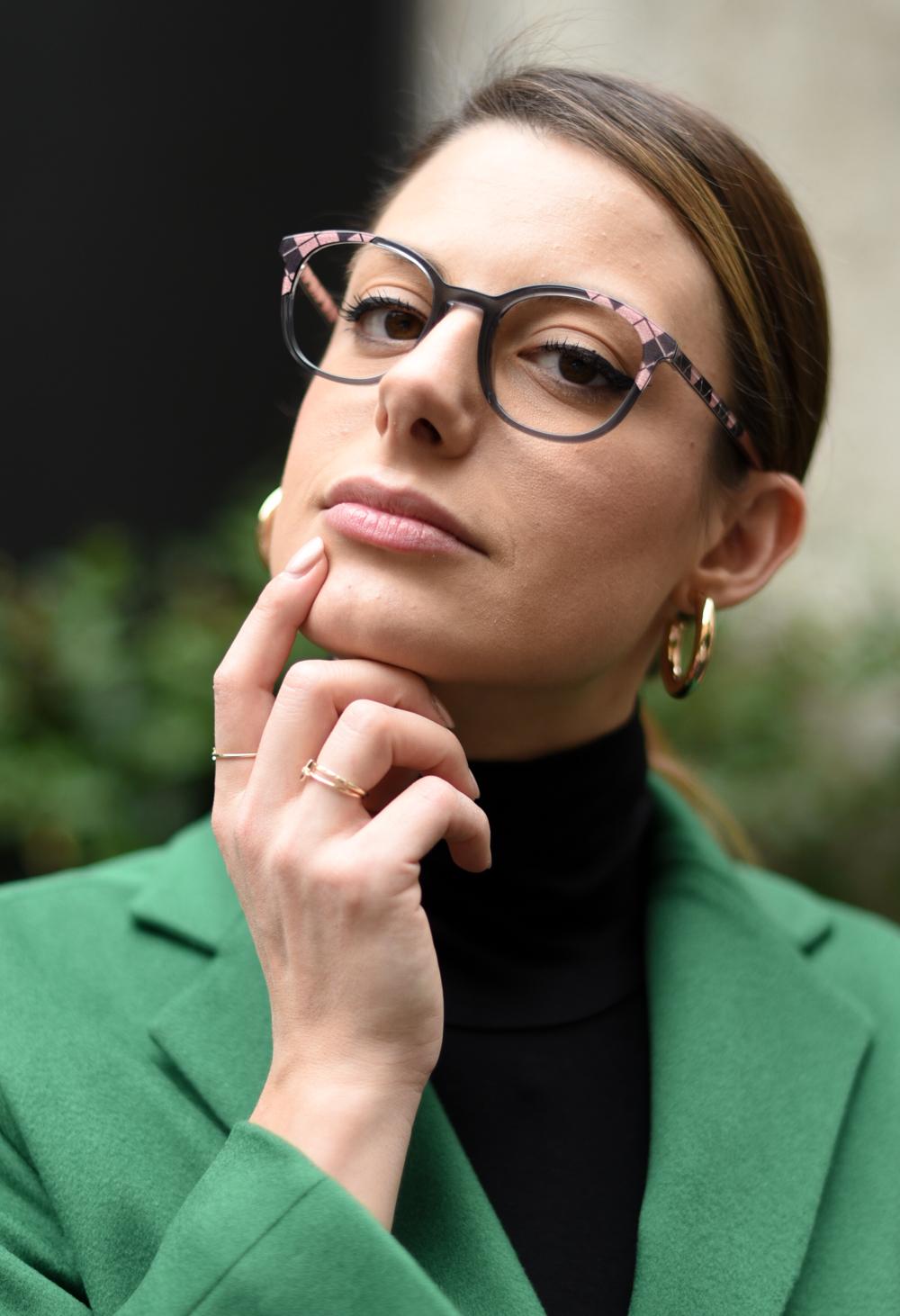 Giulia de martin behind my glasses eyewear blog influencer woow eyeglasses optical lunettes pink tartan wool paper 1 col 4012-7